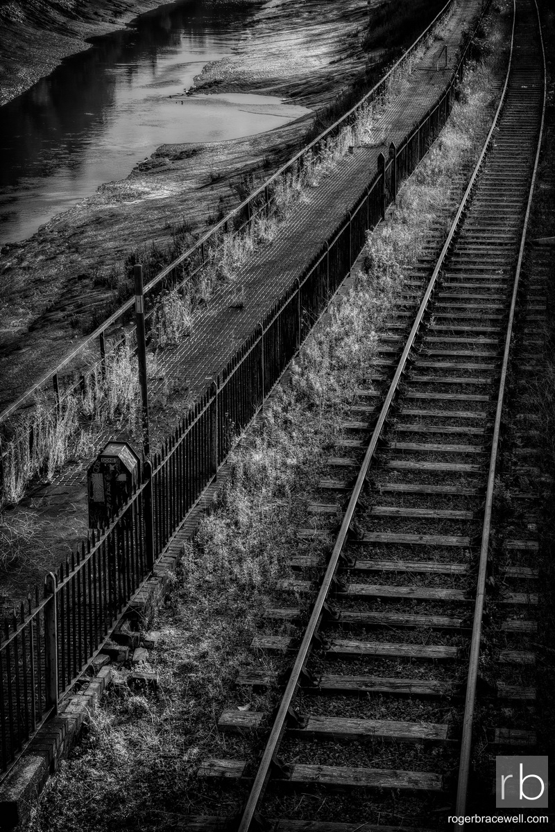 Riverside Path & Railway Track | Spike Island | Bristol